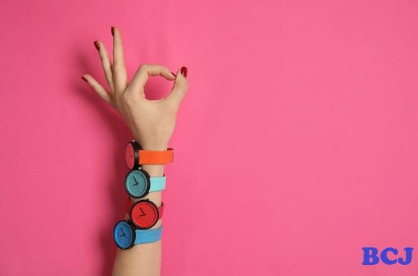 4つのカスタム腕時計